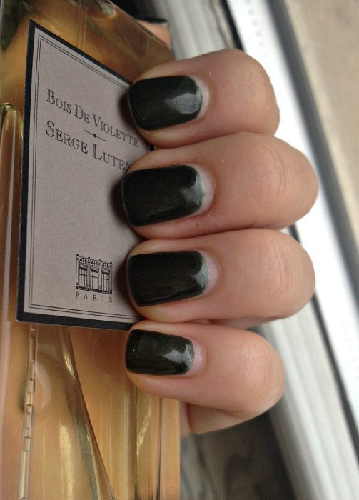 We Review: CND Shellac Manicure In Pretty Poison